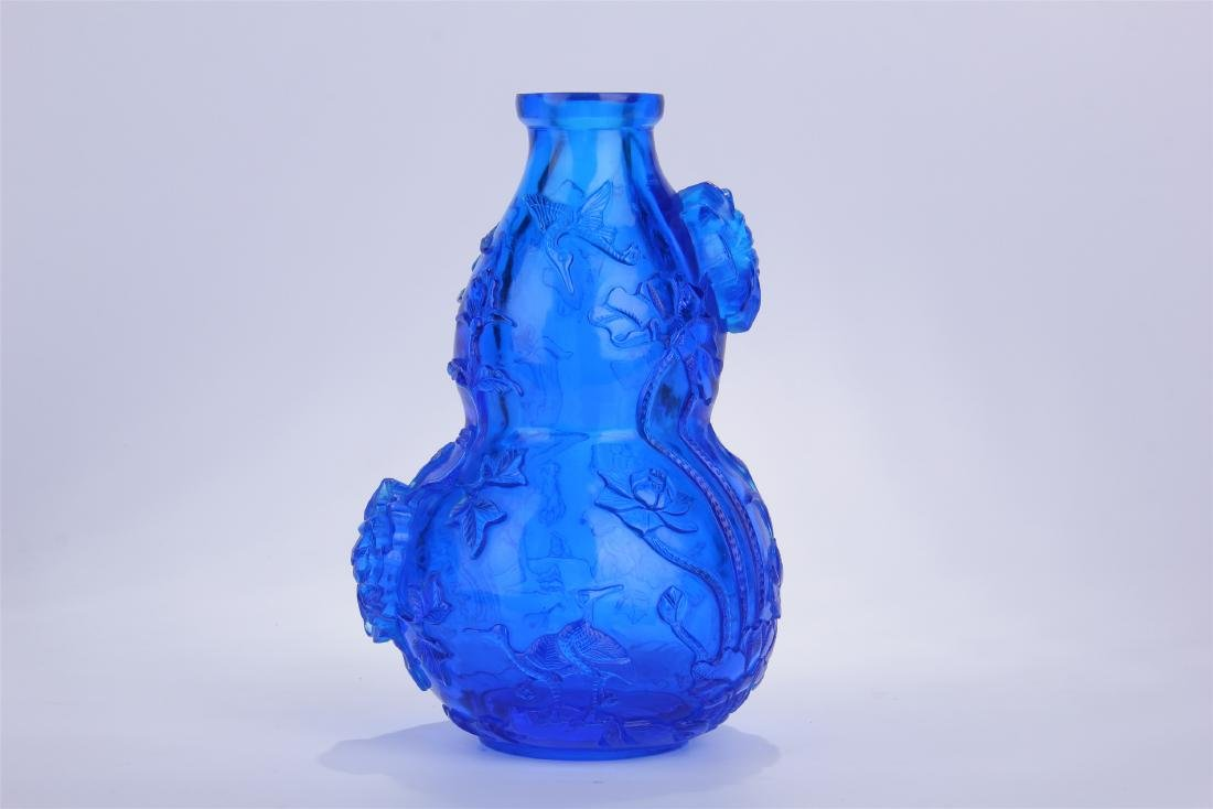 CHINESE BLUE PEKING GLASS CARVED SNUFF BOTTLE - 4