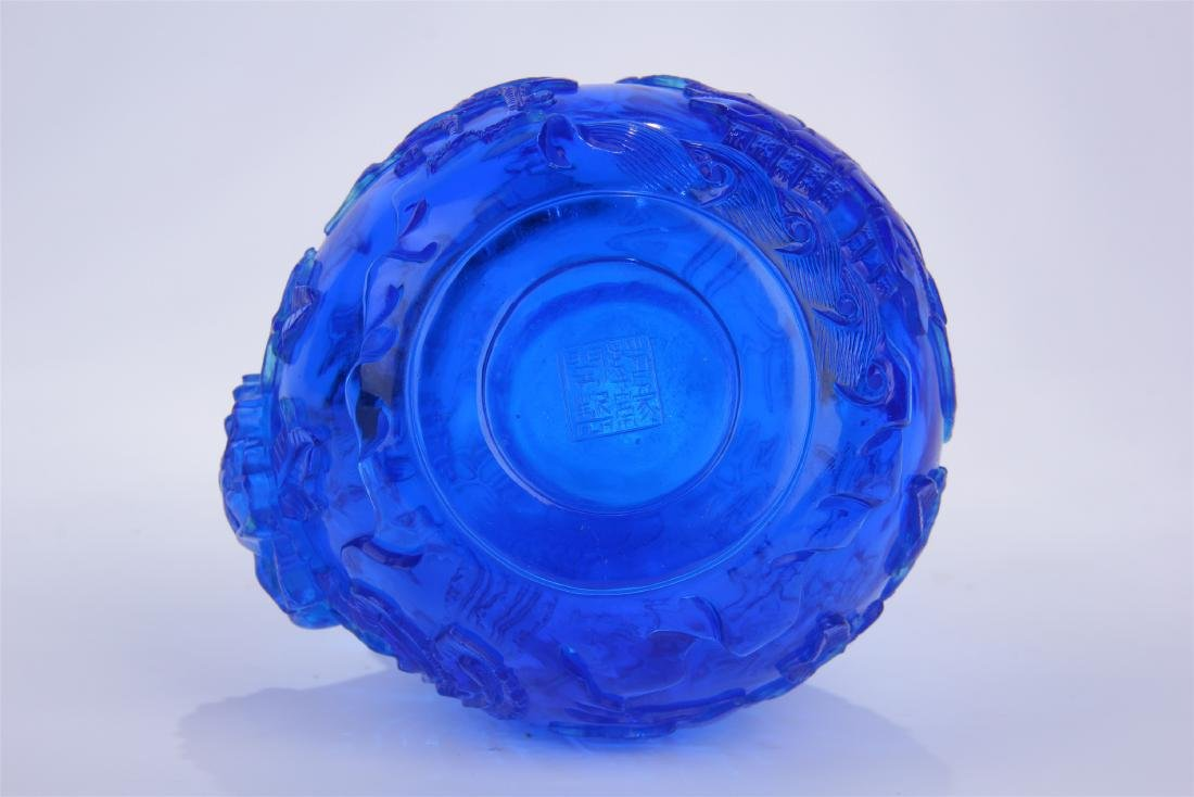 CHINESE BLUE PEKING GLASS CARVED SNUFF BOTTLE - 6
