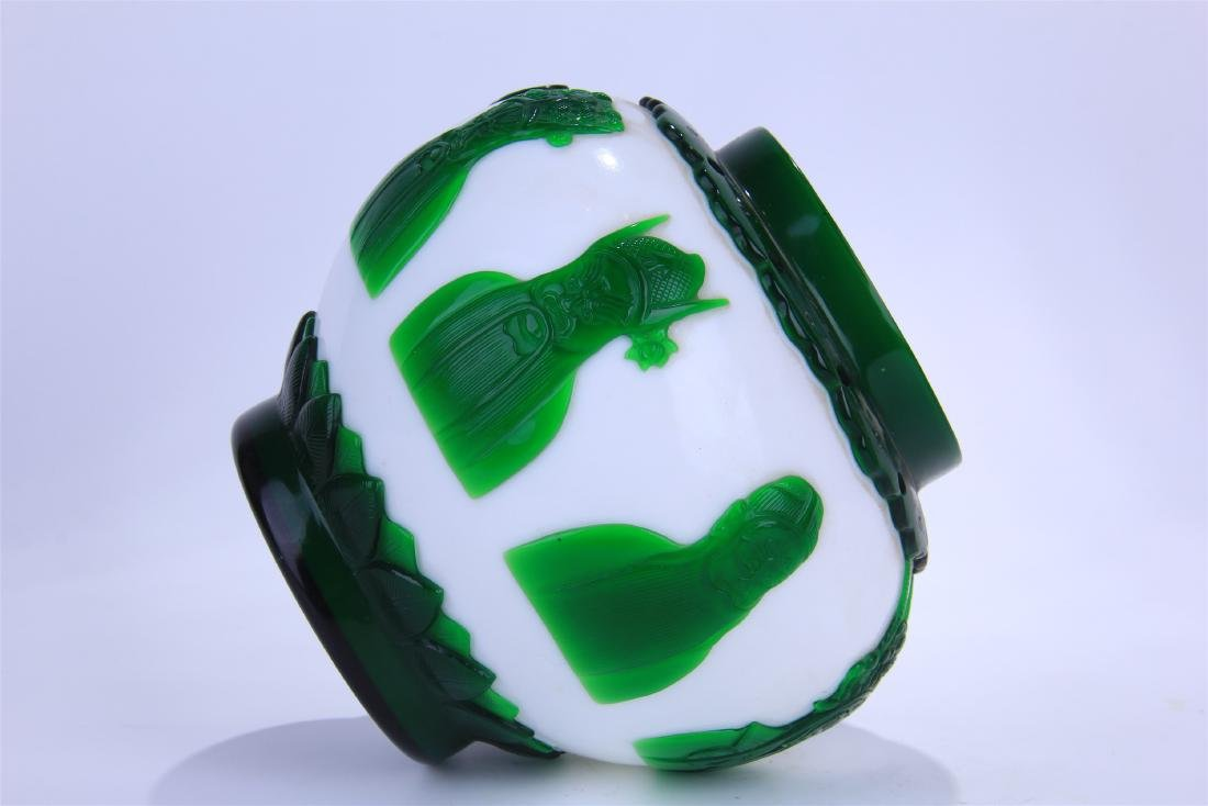 CHINESE DOUBLE COLOR GREEN AND WHITE PEKING GLASS - 8