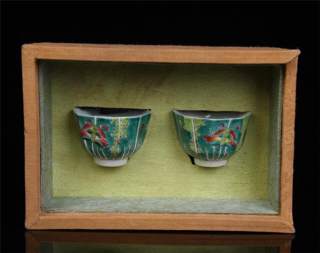 PAIR OF CHINESE PORCELAIN FAMILLE ROSE LOTUS CUPS