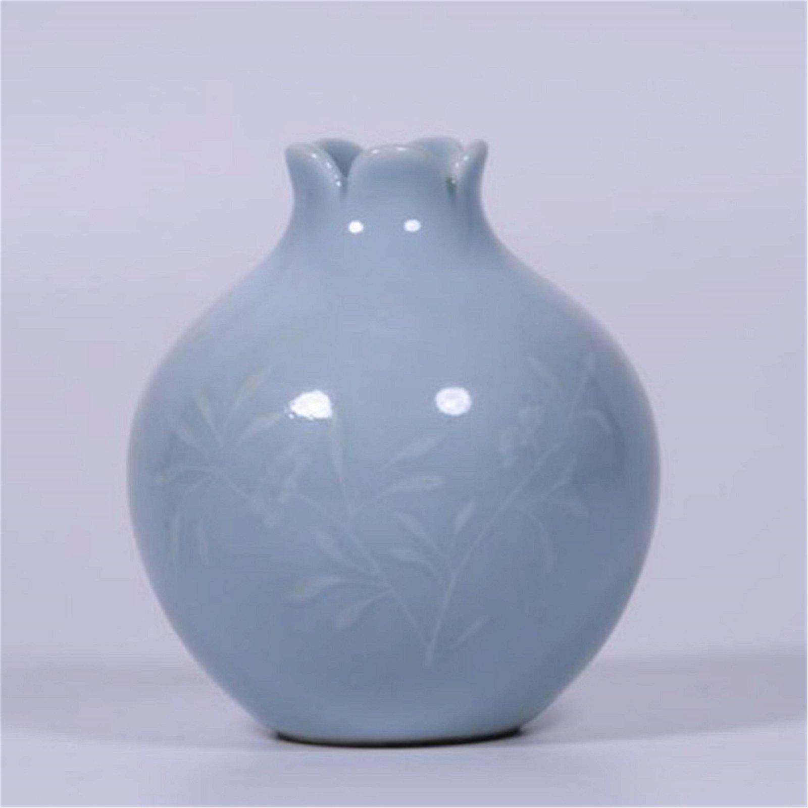 CHINESE PORCELAIN BLUE GLAZE WATER POT