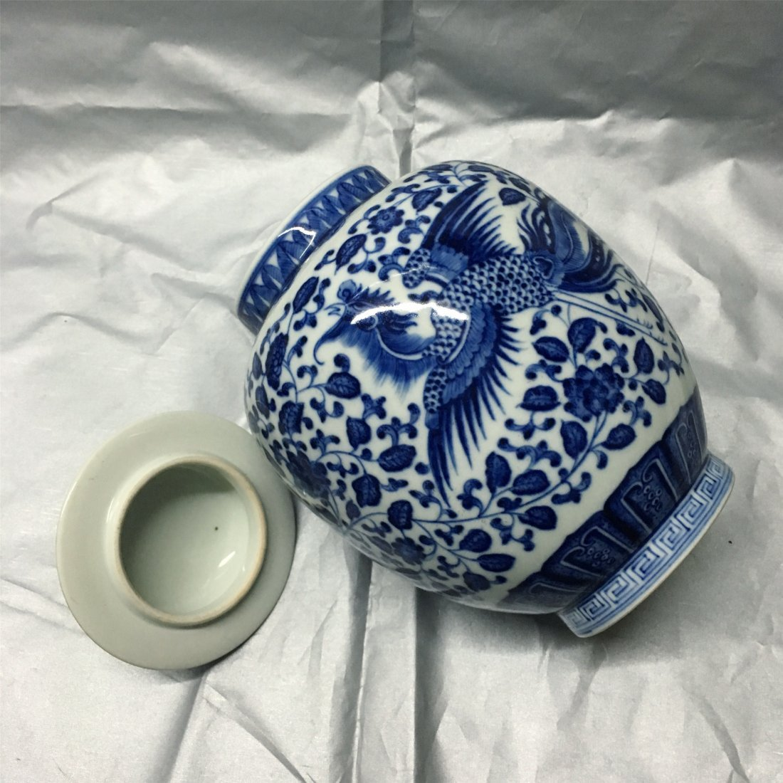 CHINESE PORCELAIN BLUE AND WHITE LIDDED JAR - 2