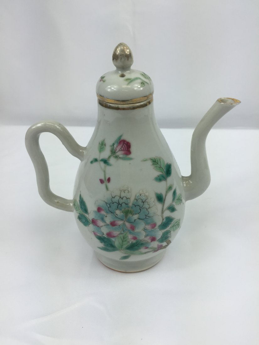 CHINESE PORCELAIN FAMILLE ROSE KETTLE REPUBLIC PERIODE