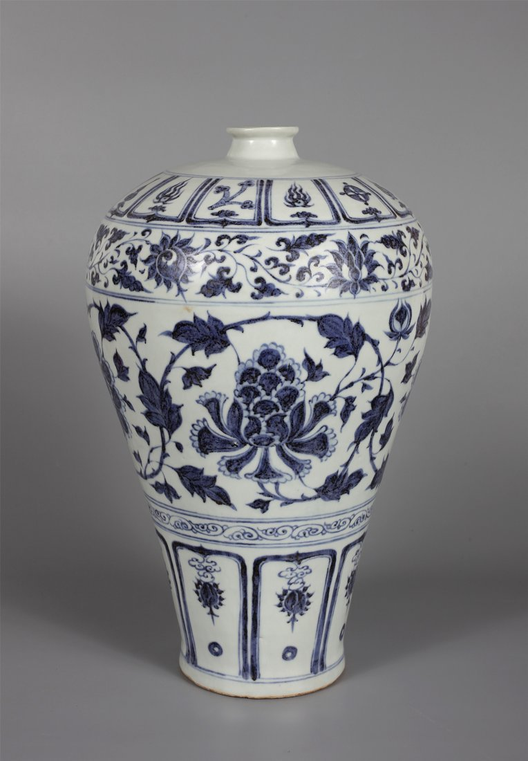 CHINESE PORCELAIN BLUE AND WHTIE PEONY MEIPING VASE - 2