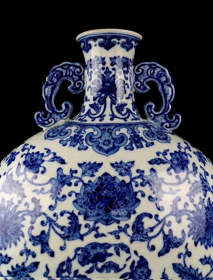 CHINESE PORCELAIN BLUE AND WHITE FLOWER MOONFLASK - 3