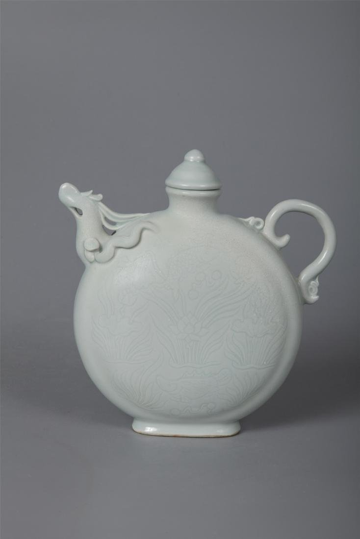 CHINESE PORCELAIN WHITE GLAZE DRAGON KETTLE