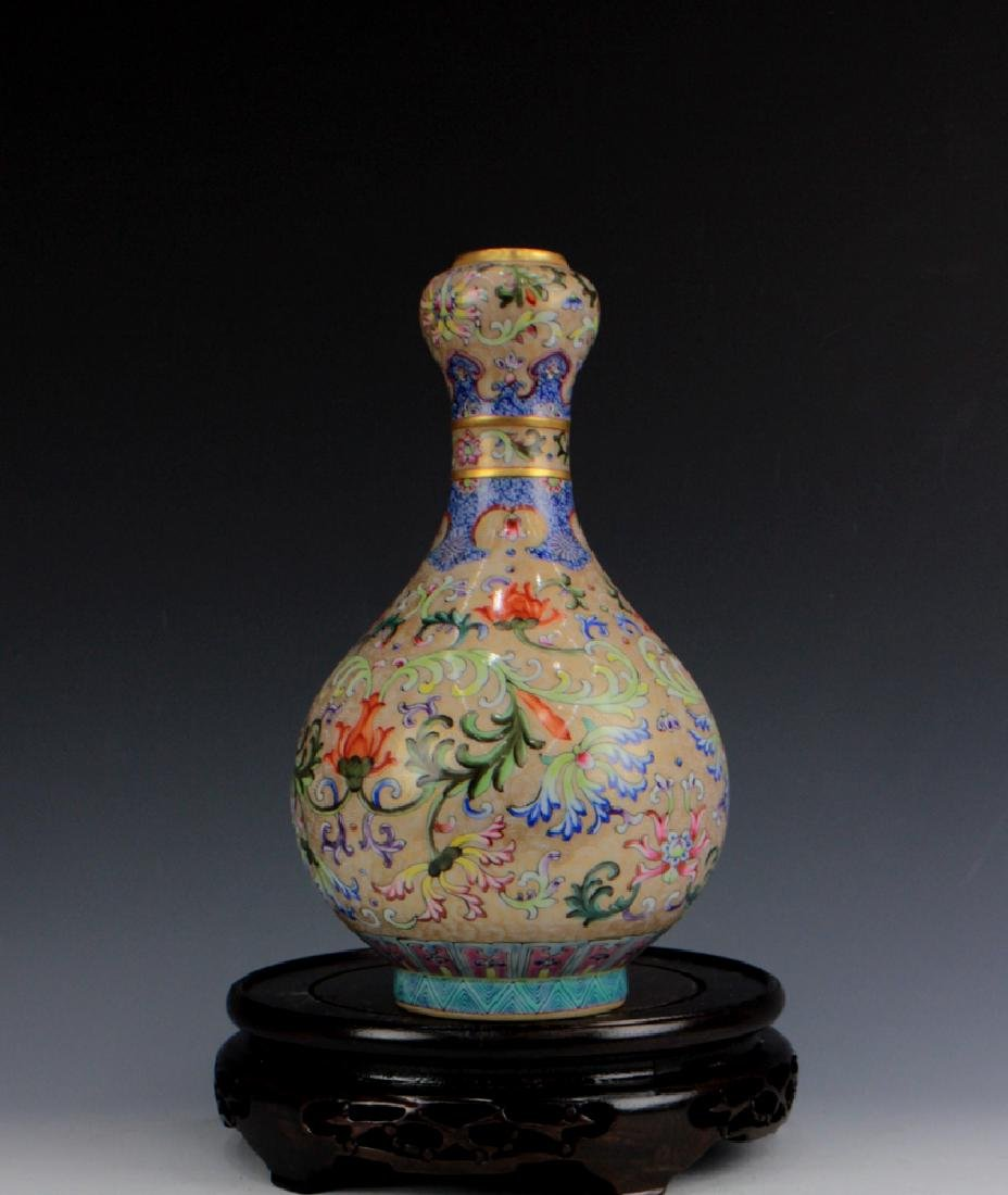 CHINESE PORCELAIN FAMILLE ROSE FLOWER VASE - 4