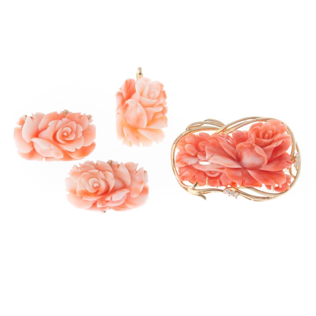 A Lady's Coral Brooch, Pendant & Earrings in 14K