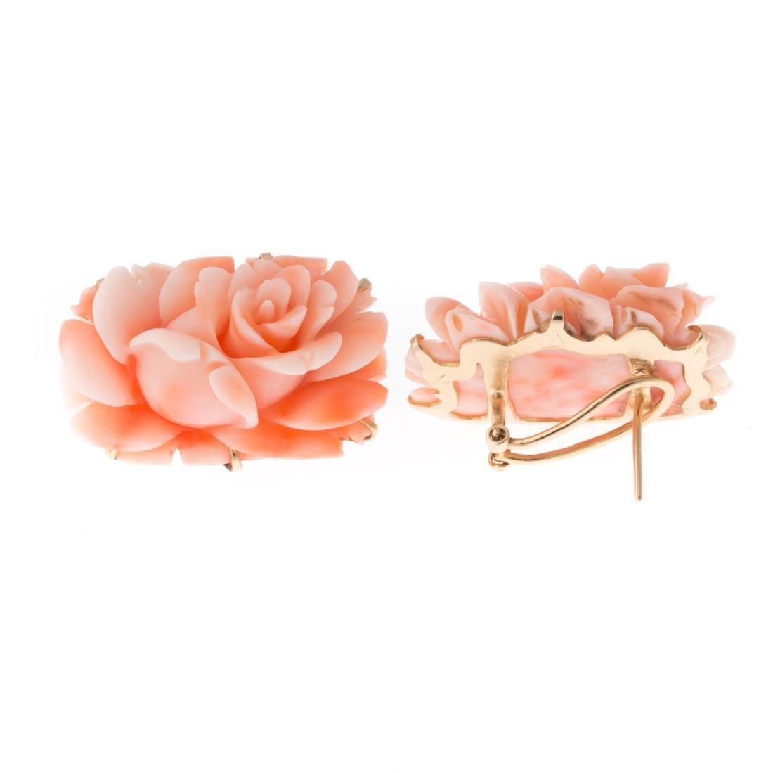 A Lady's Coral Brooch, Pendant & Earrings in 14K - 2