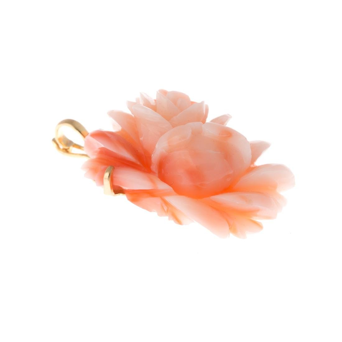A Lady's Coral Brooch, Pendant & Earrings in 14K - 3