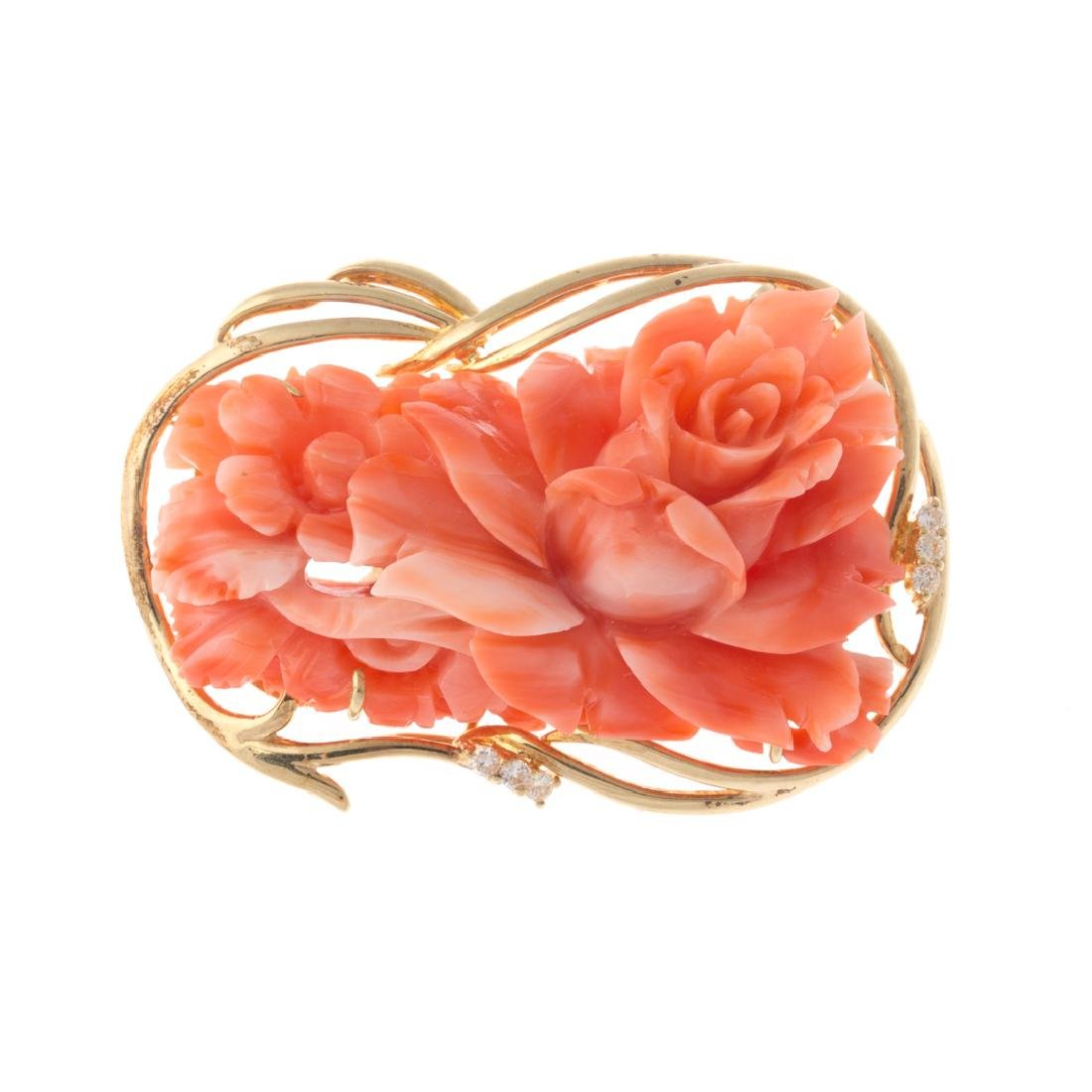 A Lady's Coral Brooch, Pendant & Earrings in 14K - 4