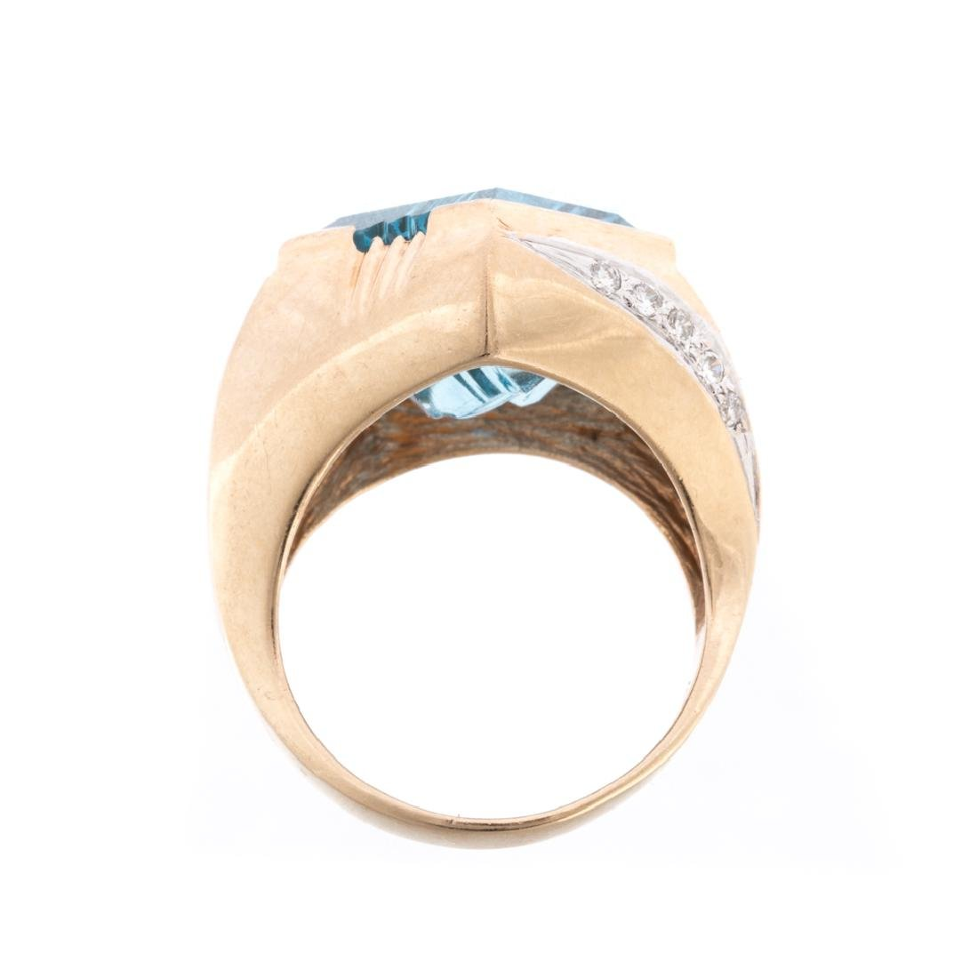 A Lady's Contemporary Blue Topaz & Diamond Ring - 3