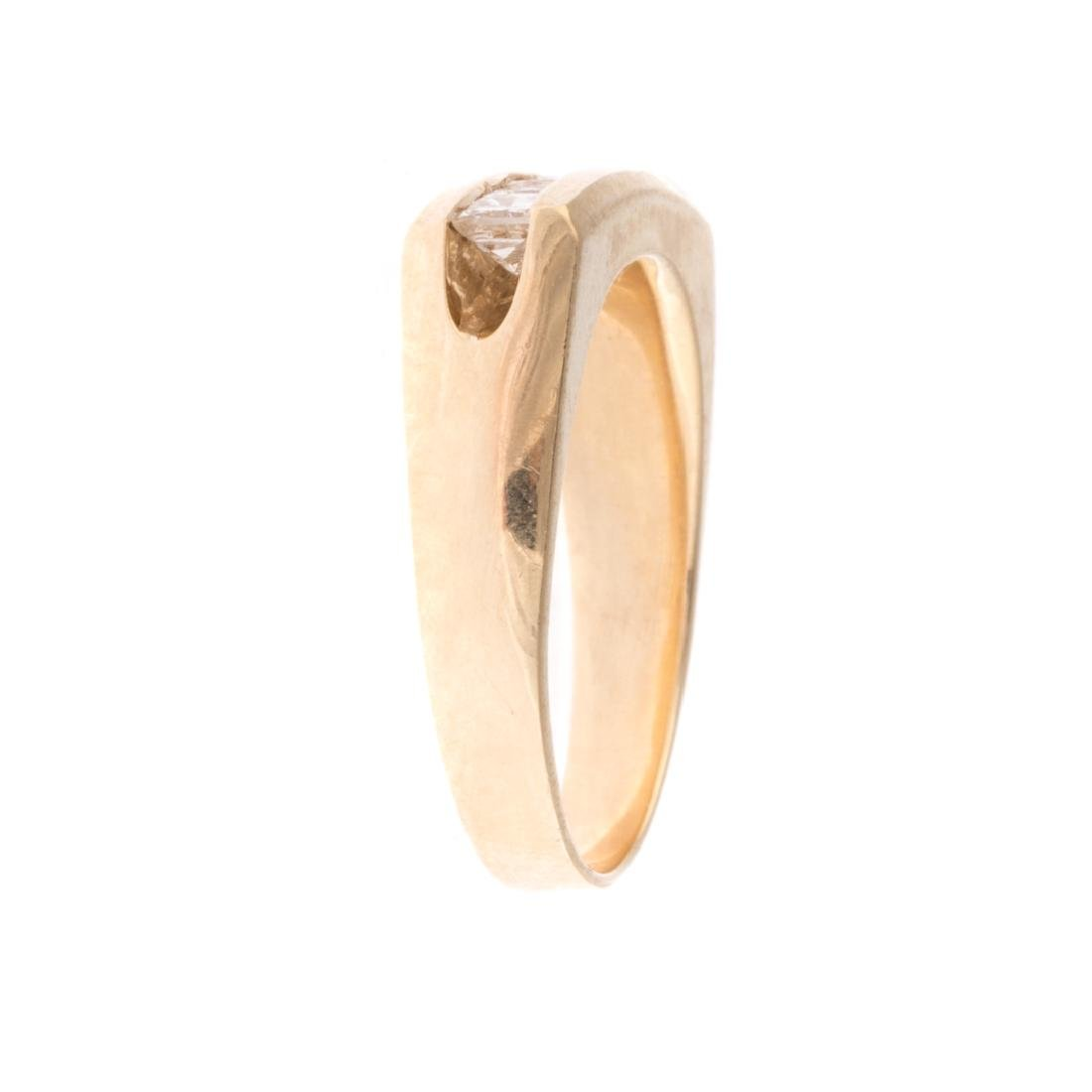 A Gentleman's Contemporary Diamond Ring - 2