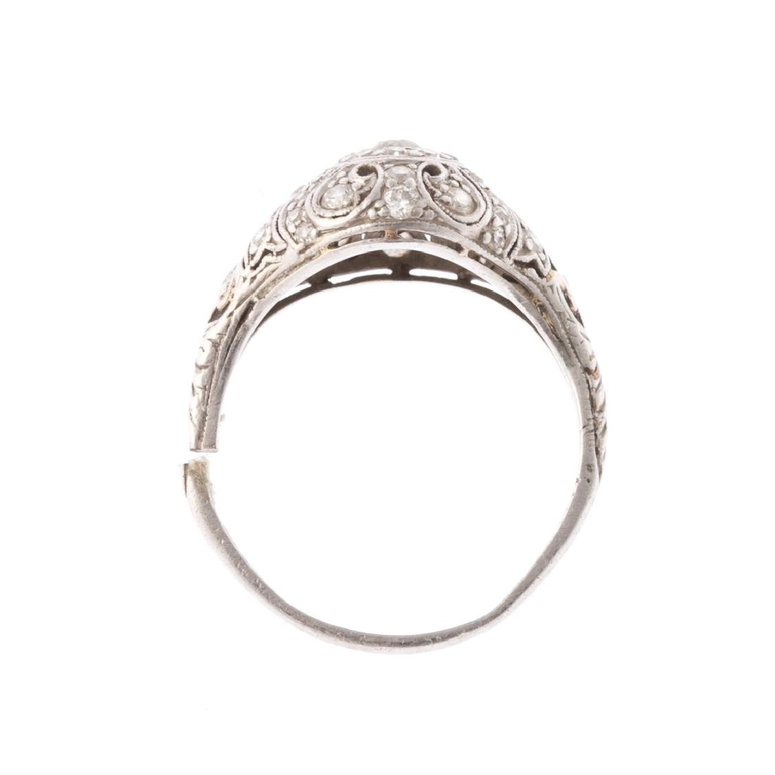 A Lady's Platinum Diamond Filigree Ring - 3