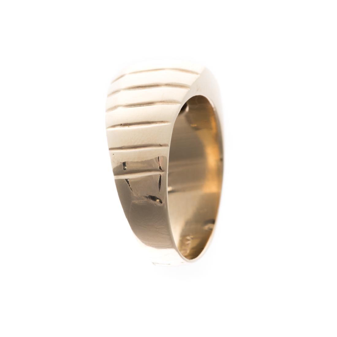 A Gentleman's Diamond Ring in 14K Gold - 2