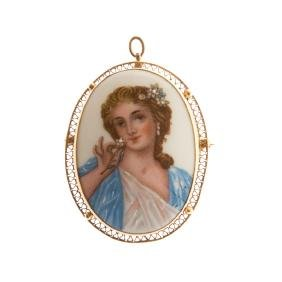 A Limoges Hand Painted Portrait Brooch in Gold