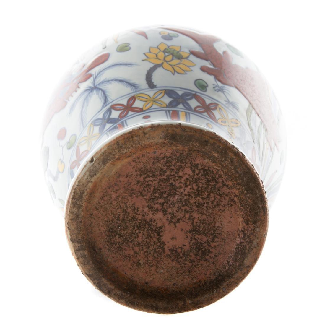 Chinese Fencai porcelain vase - 5
