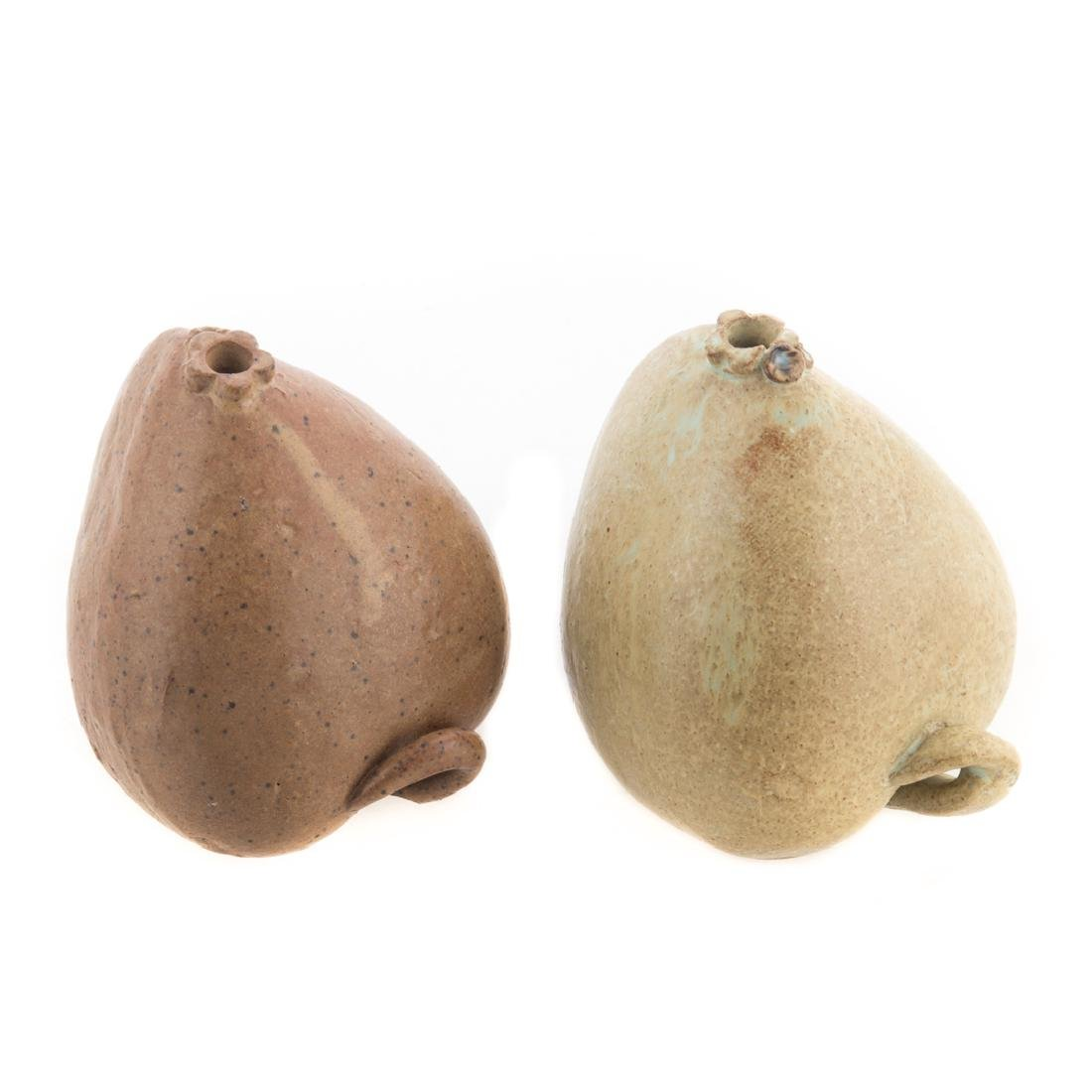 Slaithong Schmutzhart. Two ceramic fruits