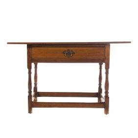 American Queen Anne walnut tavern table