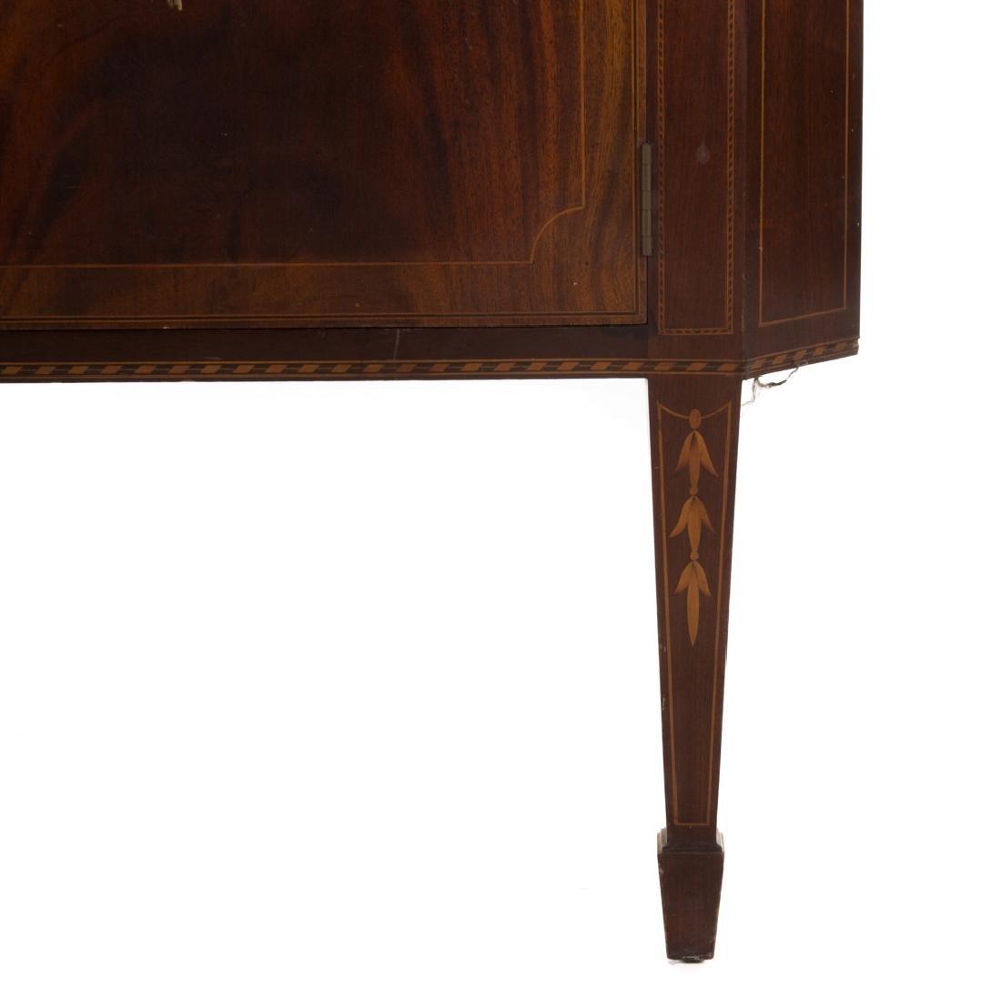 Potthast Federal style mahogany corner cabinet - 4