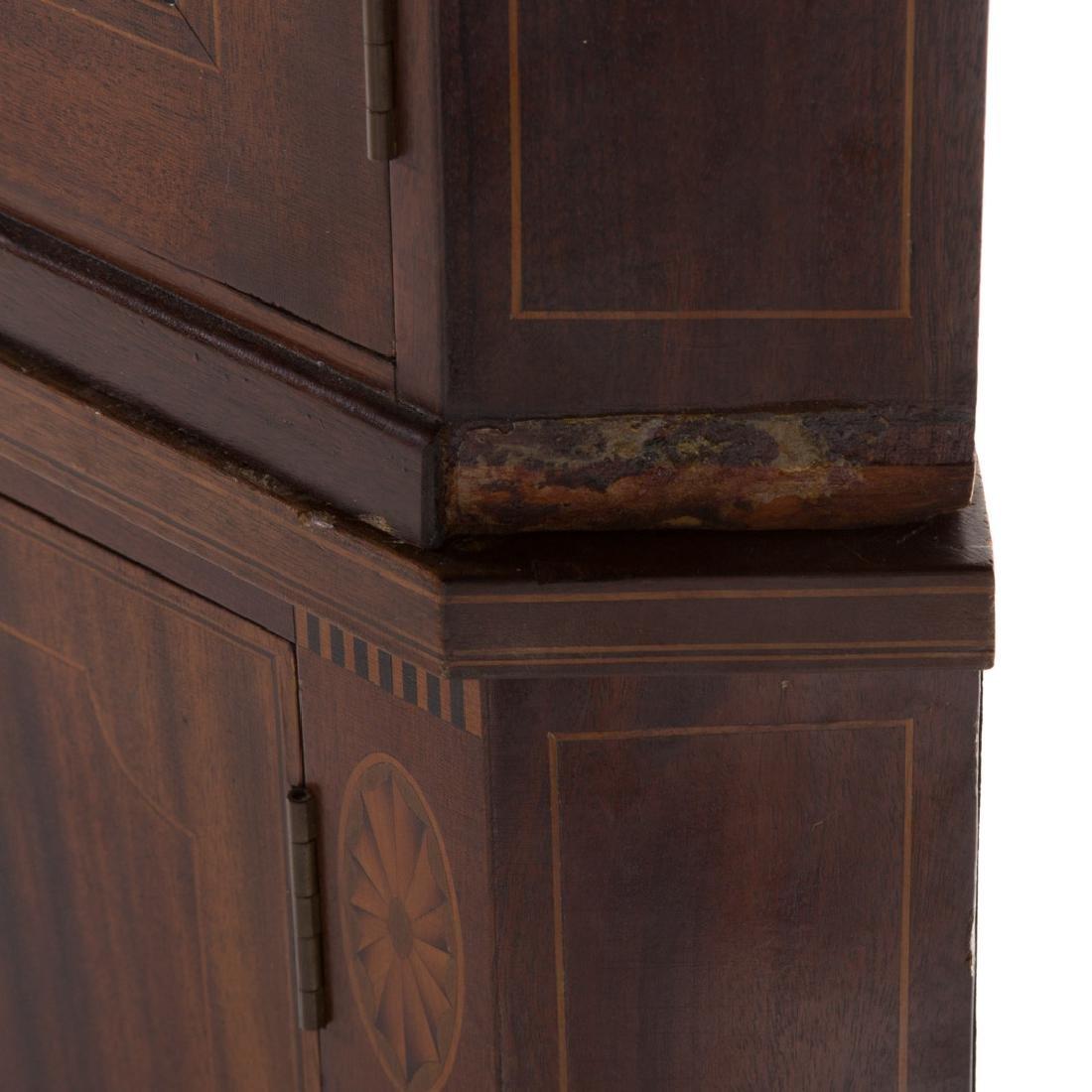 Potthast Federal style mahogany corner cabinet - 5