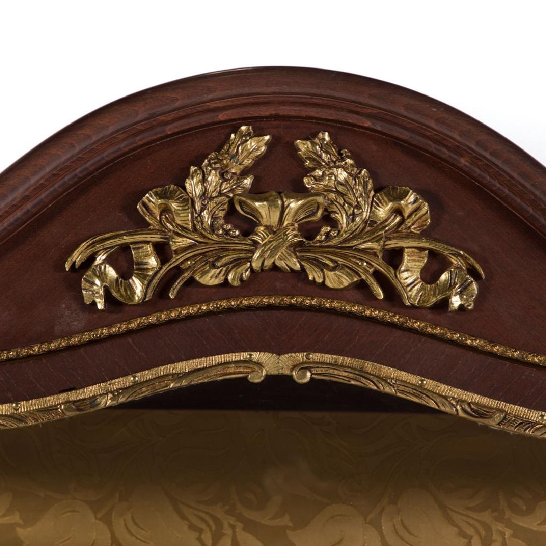 Louis XV inlaid and brass mounted vitrine - 3