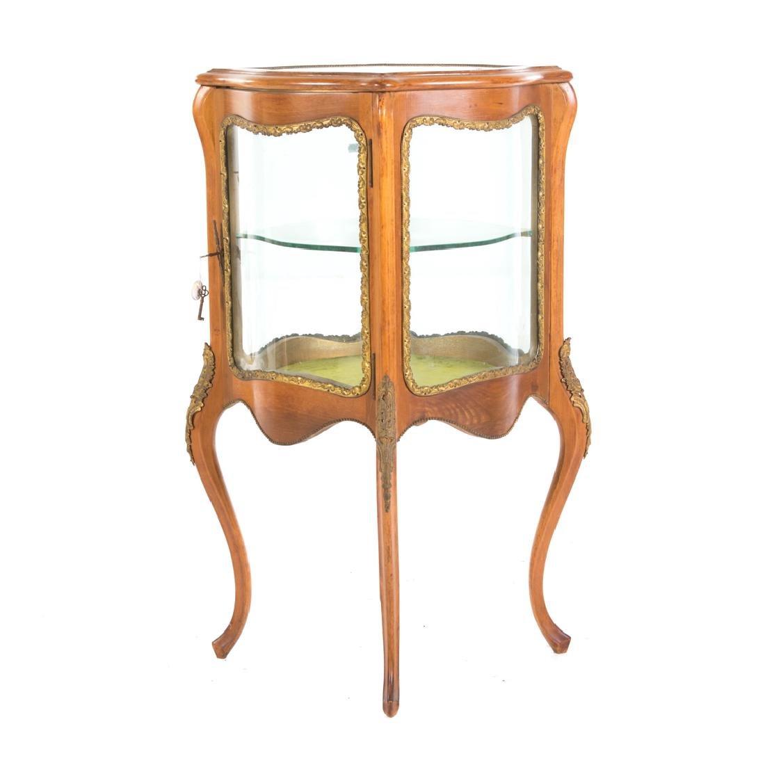 Louis XV style fruitwood brass mounted vitrine - 2