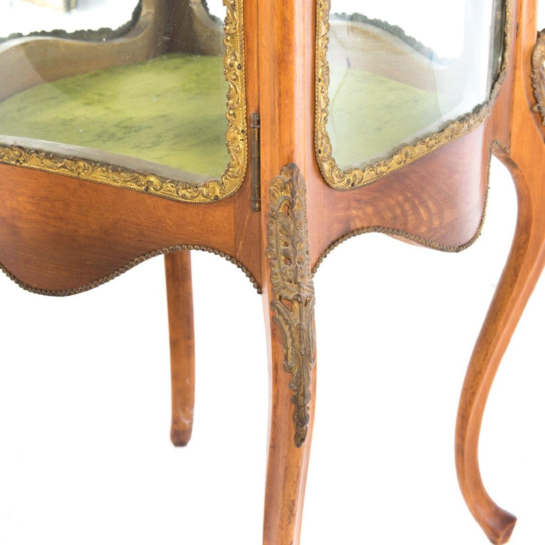 Louis XV style fruitwood brass mounted vitrine - 3