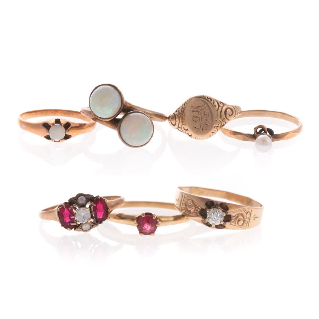 Seven Lady's Vintage Rings in Gold