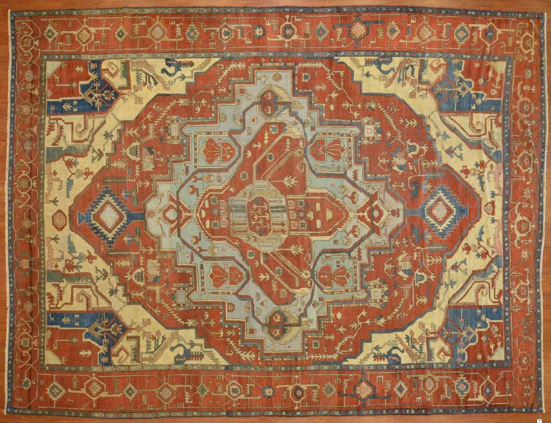 Antique Serapi carpet, approx. 11.4 x 15