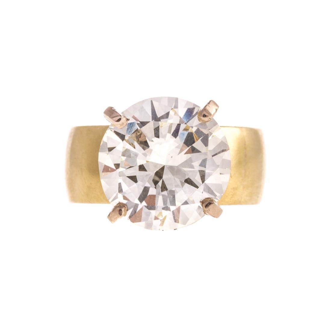 A Lady's 6.10 Round Brilliant Diamond Ring