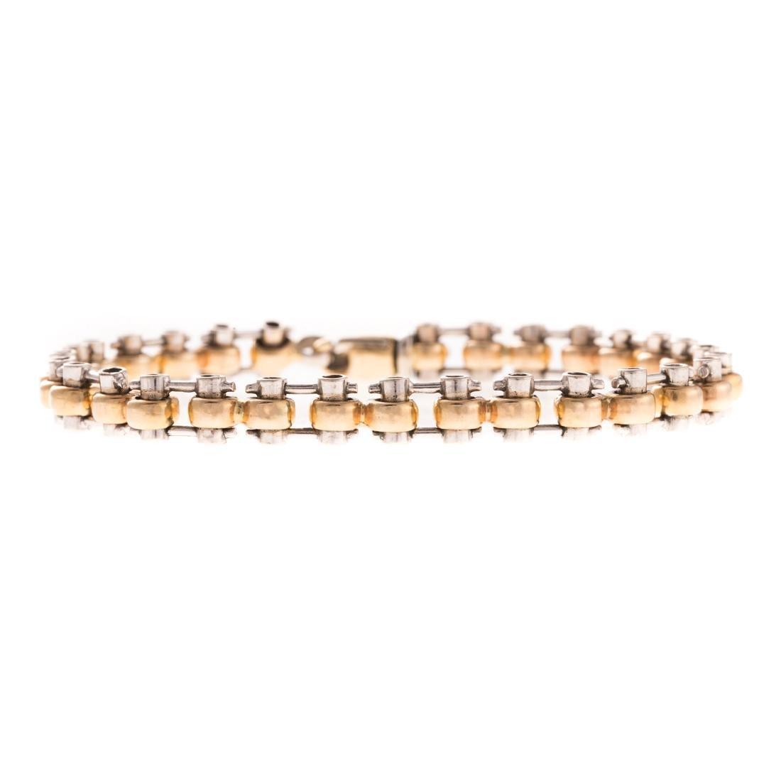 A Lady's Heavy Link Bracelet in 14K