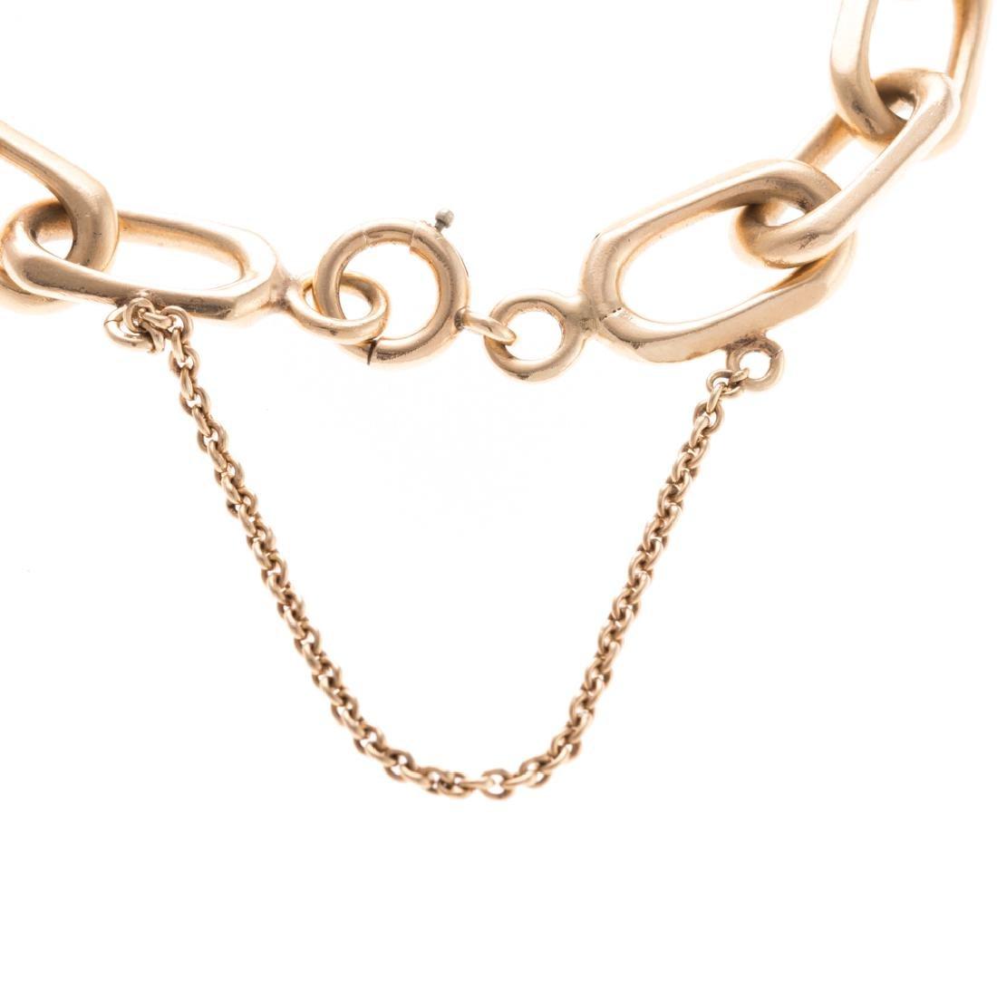 A Lady's Open Link Bracelet in 14K Gold - 3