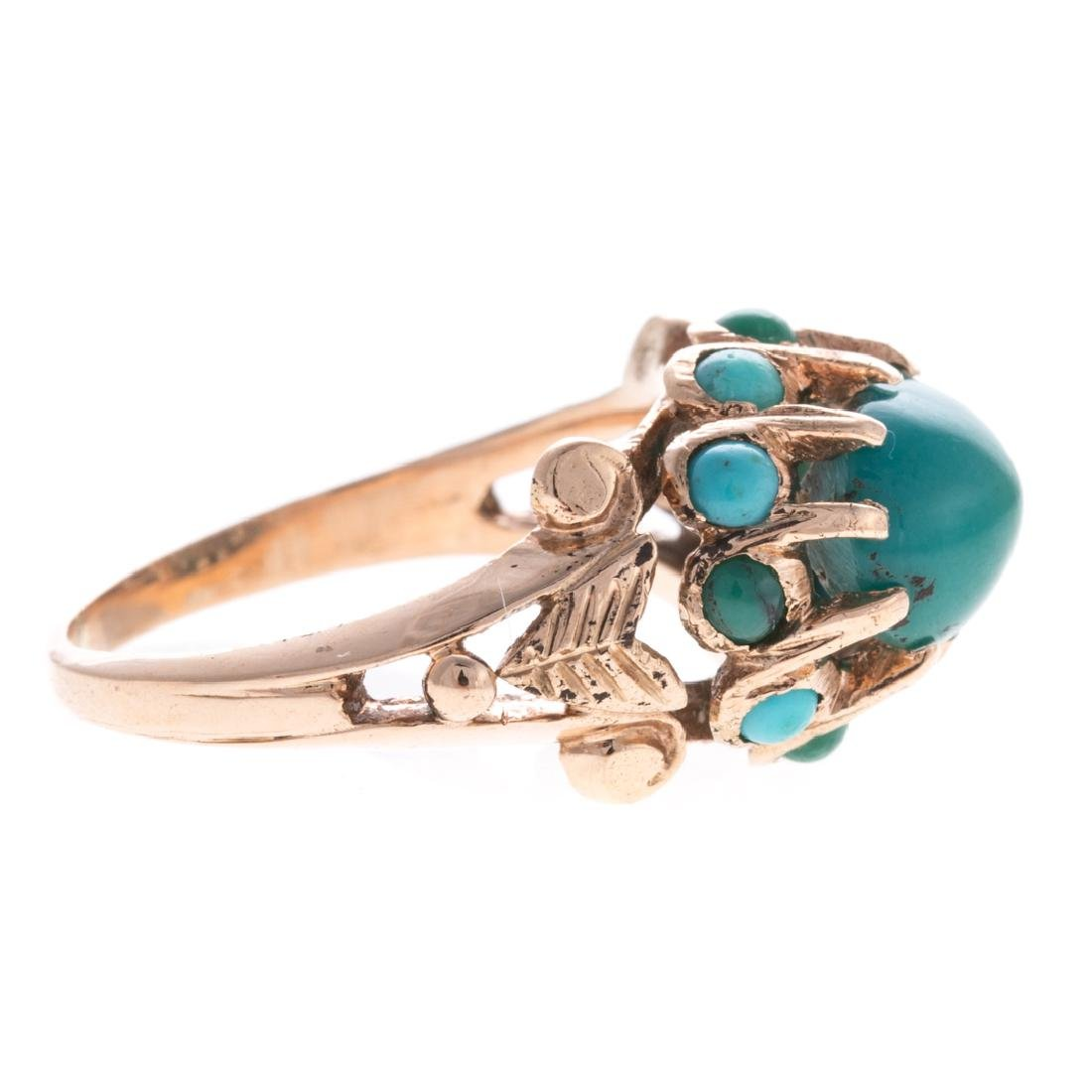 A Lady's Turquoise Ring in 14K Gold - 2