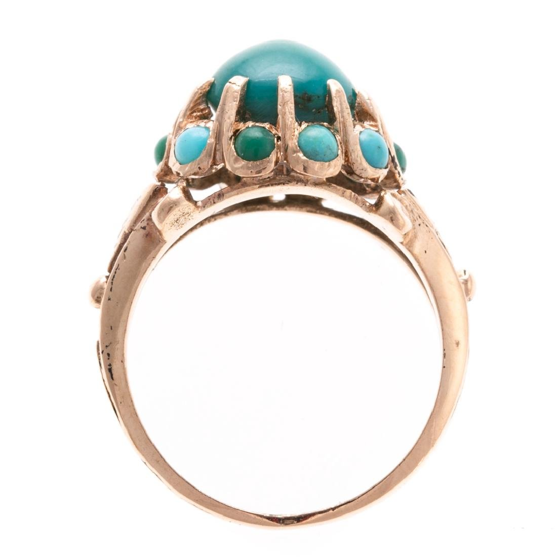 A Lady's Turquoise Ring in 14K Gold - 3