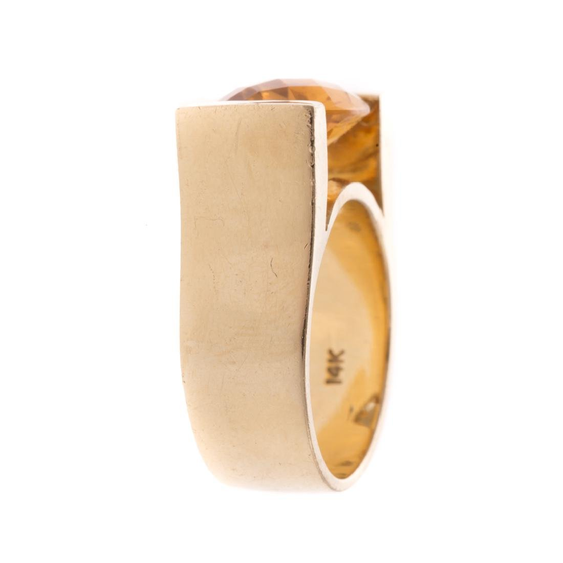 A Lady's Citrine Ring in 14K Gold - 2