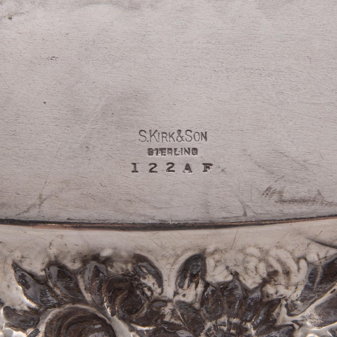 Kirk sterling silver waiter tray in Repousse - 5