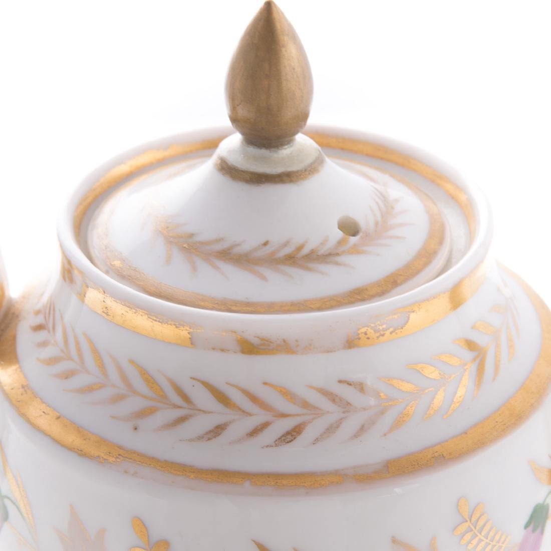 Four pieces French porcelain - 7