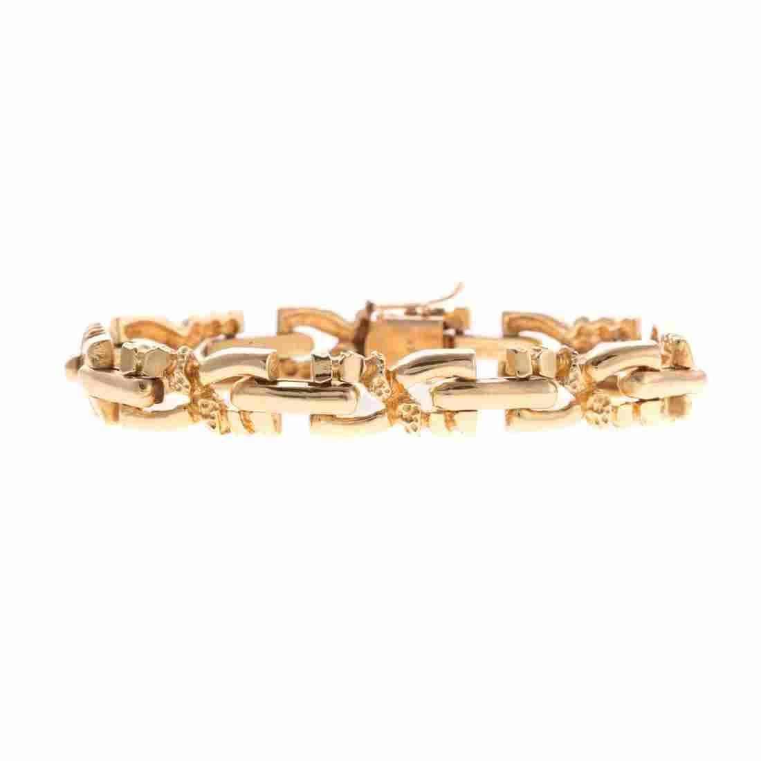 A Gentlemen's Link Bracelet in 14K Gold