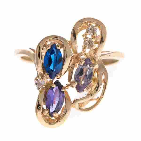 A Lady's Gemstone Ring in 14K Gold