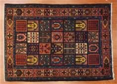 Persian Bahktiari rug, approx. 4.9 x 6.6