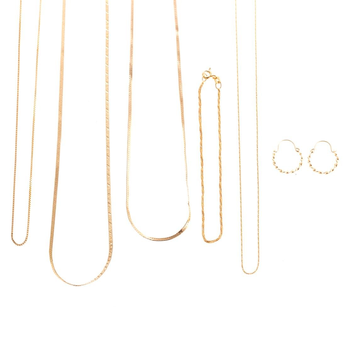 A Collection of Lady's Gold Chain Necklaces