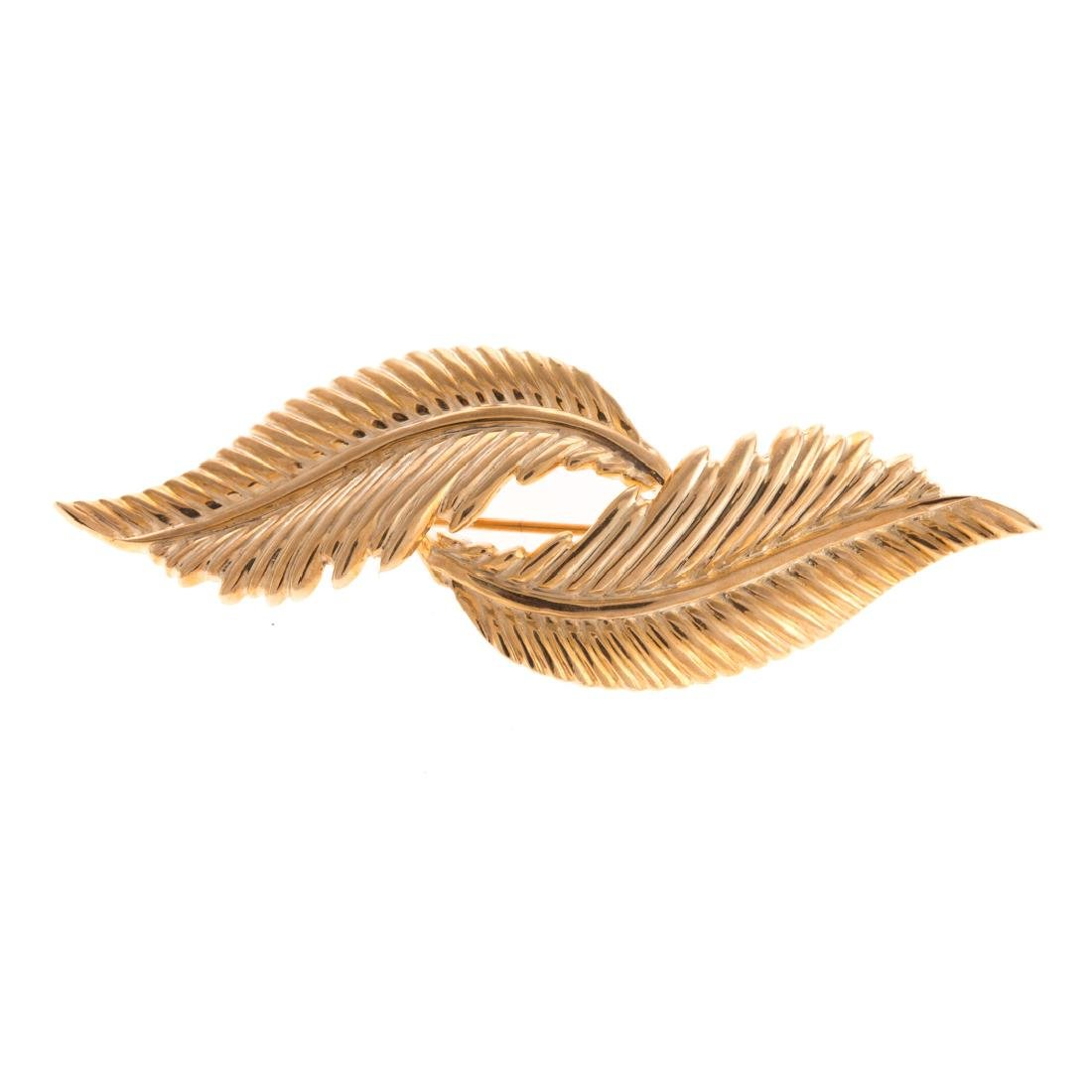 A Lady's Feather Brooch in 14K Gold