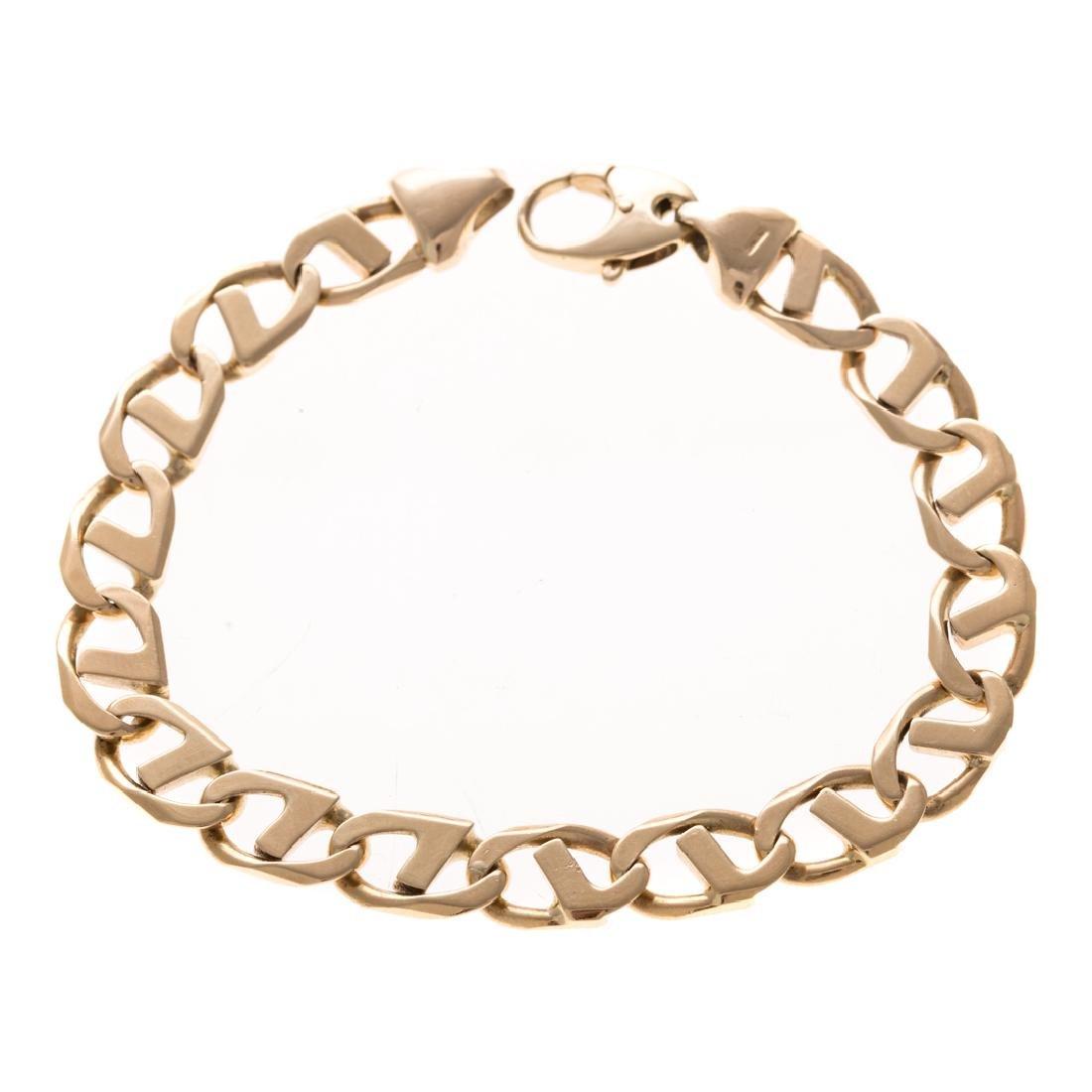 An Italian Anchor Link Bracelet in 14K Gold