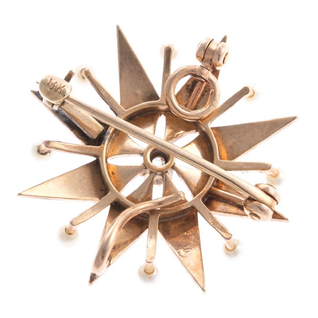 A Lady's Seed Pearl & Diamond Starburst Pin - 3