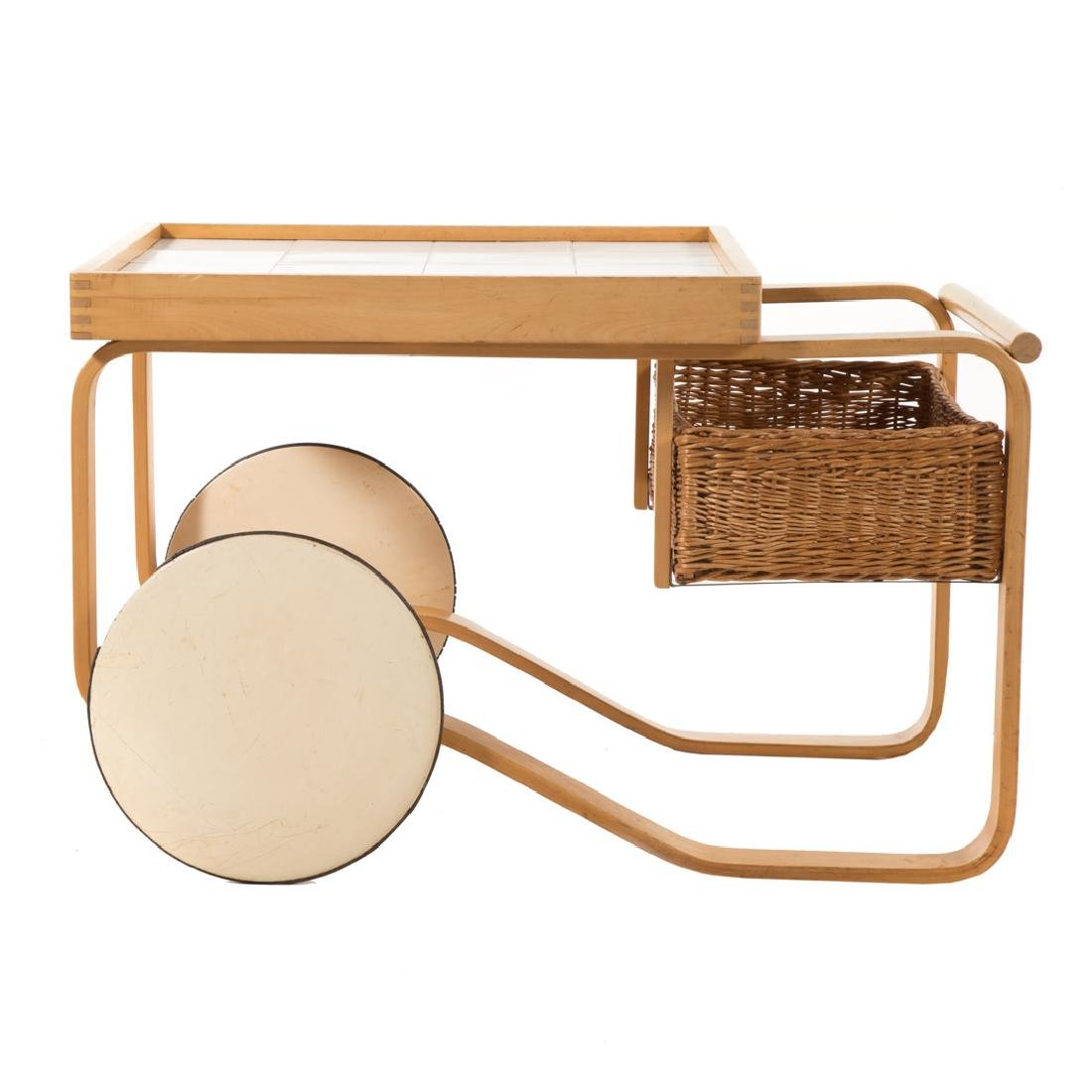 Alvar Aalto tea trolley by Artek - 2