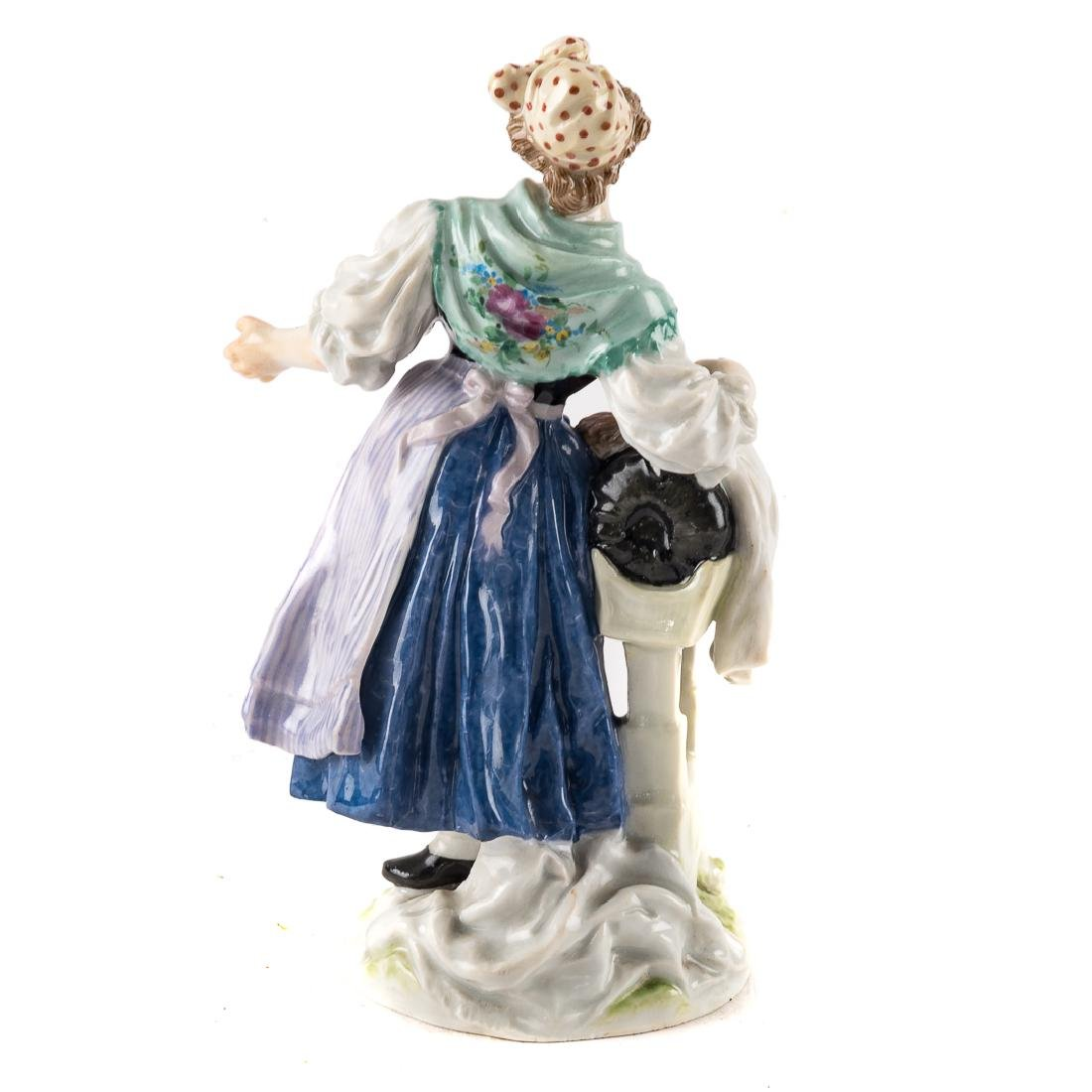 Meissen porcelain figure of a scullery maid - 2