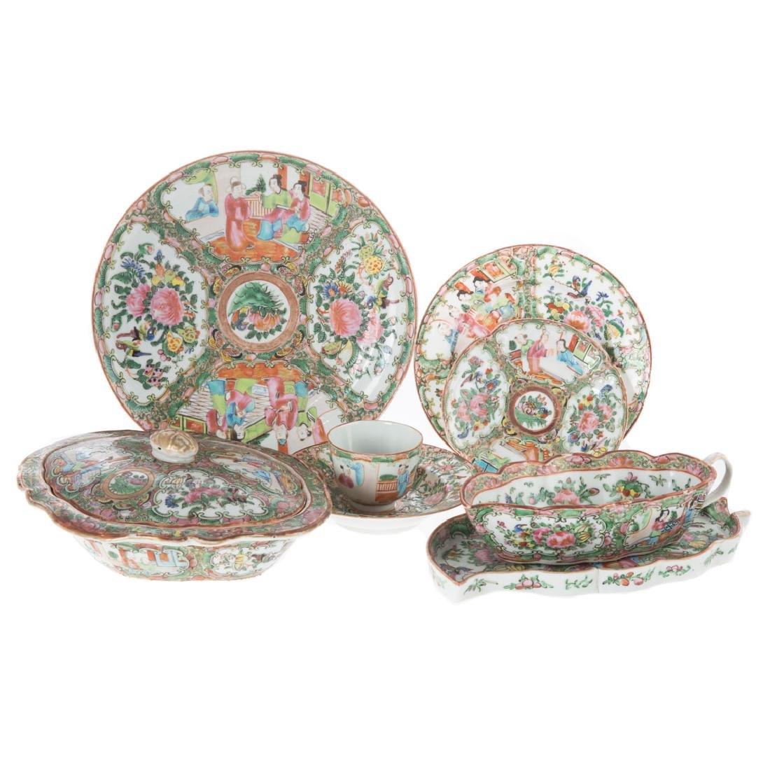Chinese Rose Medallion porcelain dinner service