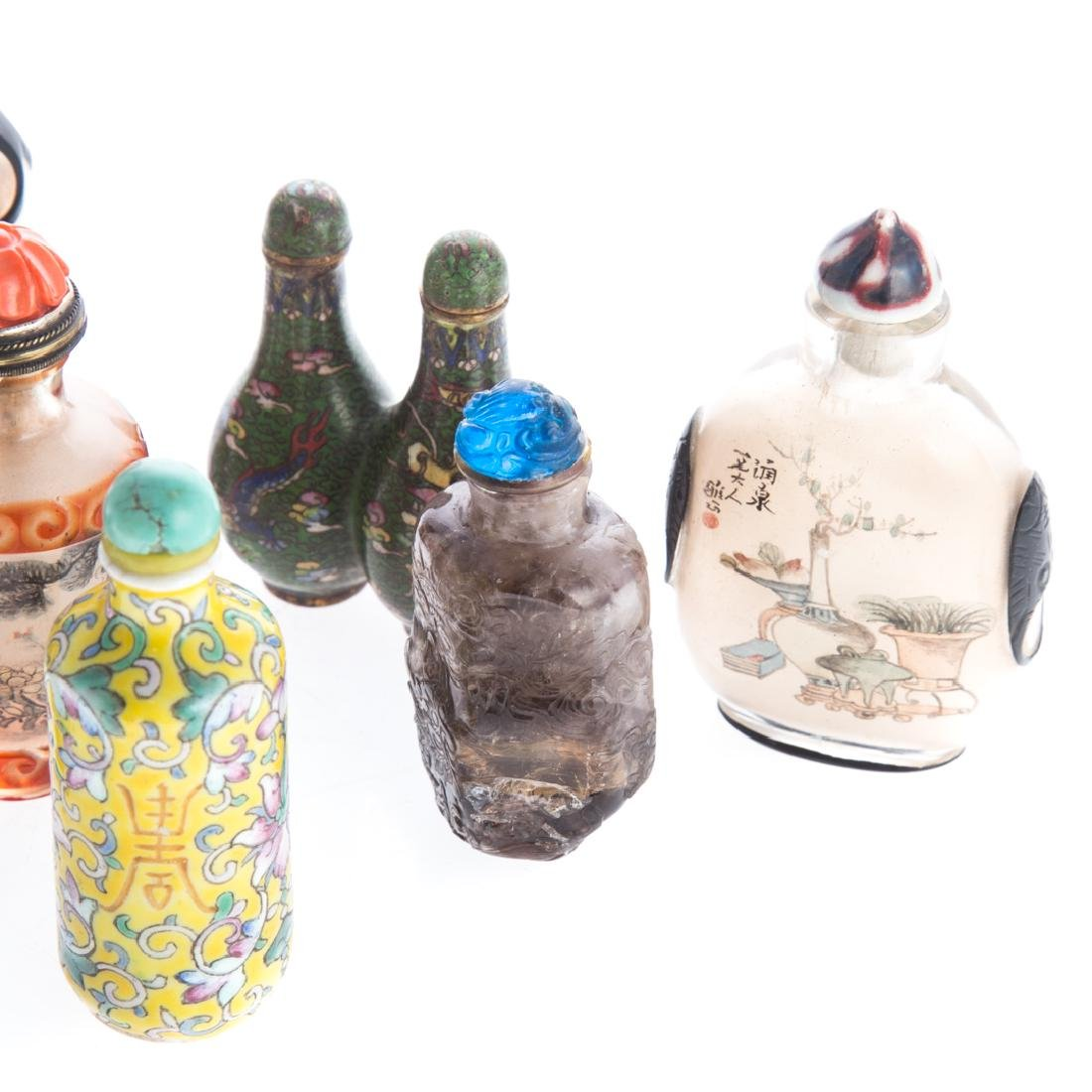 10 Assorted Chinese snuff bottles in fitted case - 3