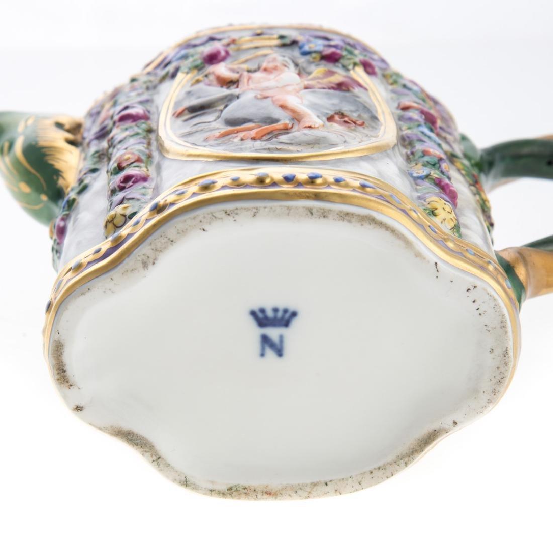 Five Capodimonte porcelain tea articles - 6